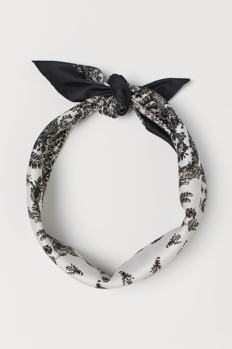 Patterned Scarf - Black/paisley-patterned - Ladies | H&M US