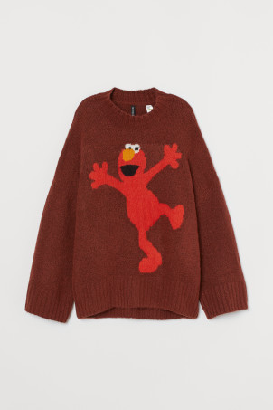 Knitted jumper with a motif