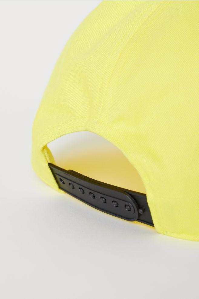 68b4cf6ff4bd85 ... Cap with an appliqué - Neon yellow - Men | H&M ...