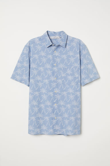 Short-sleeve shirt Regular fit - Light blue/Palm trees - Men | H&M CN