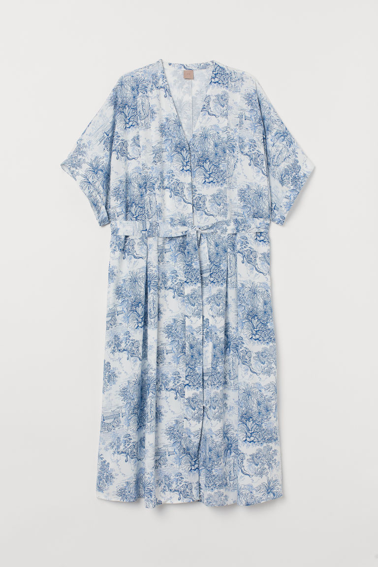 H&M+ Dress with a tie belt - White/Blue patterned - Ladies