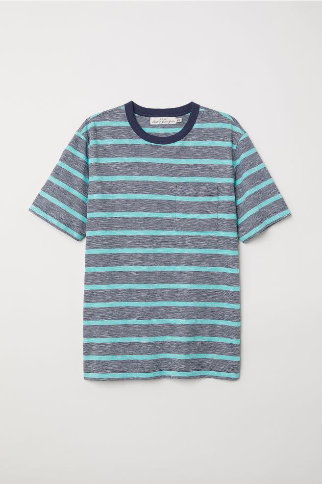 5deb920302a5 Tričko s náprsným vreckom - tmavomodrá zelená pruhovaná - MUŽI