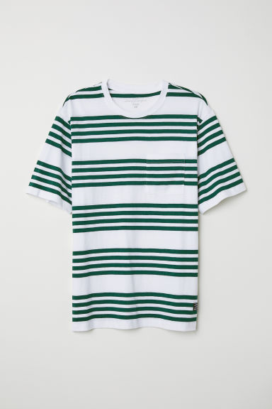 T-shirt with a chest pocket - Green/White striped - Men | H&M CN
