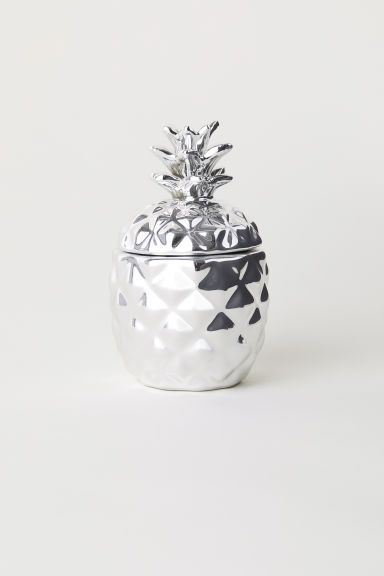 Candle in a ceramic holder - Silver/Pineapple - Home All | H&M GB