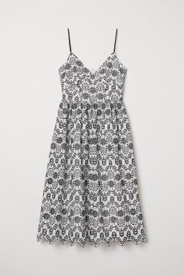 8516eacd73 Sukienka z haftem angielskim