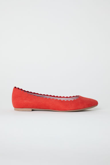 Scallop-edged ballet pumps - Orange-red - Ladies | H&M CN