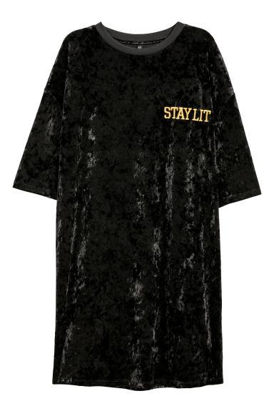 f059554f6047 Zamatové tričkové šaty - čierna - ŽENY