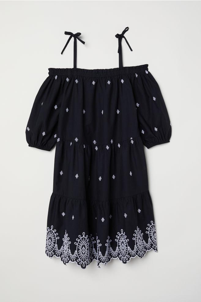 16c00272cc79 Šaty s odhalenými plecami - čierna vyšívaná - ŽENY