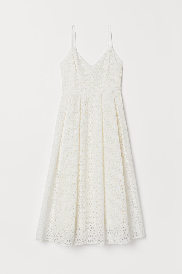 Dress in broderie anglaise - Cream - Ladies | H&M