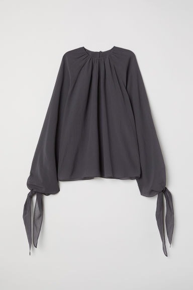 Silk-blend crêpe blouse - Dark grey - Ladies | H&M CN