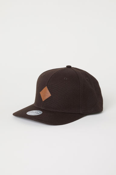 Cap with an appliqué - Dark brown - Men | H&M CN