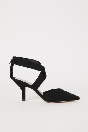 Court shoes with straps
