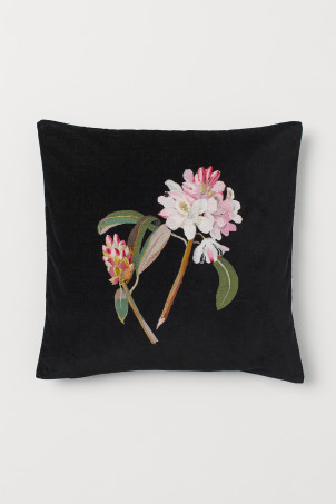 Floral-motif cushion coverModel