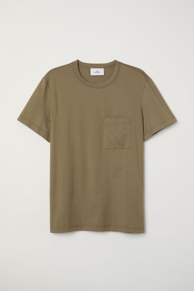 T-shirt with a chest pocket - Khaki green - Men | H&M CN
