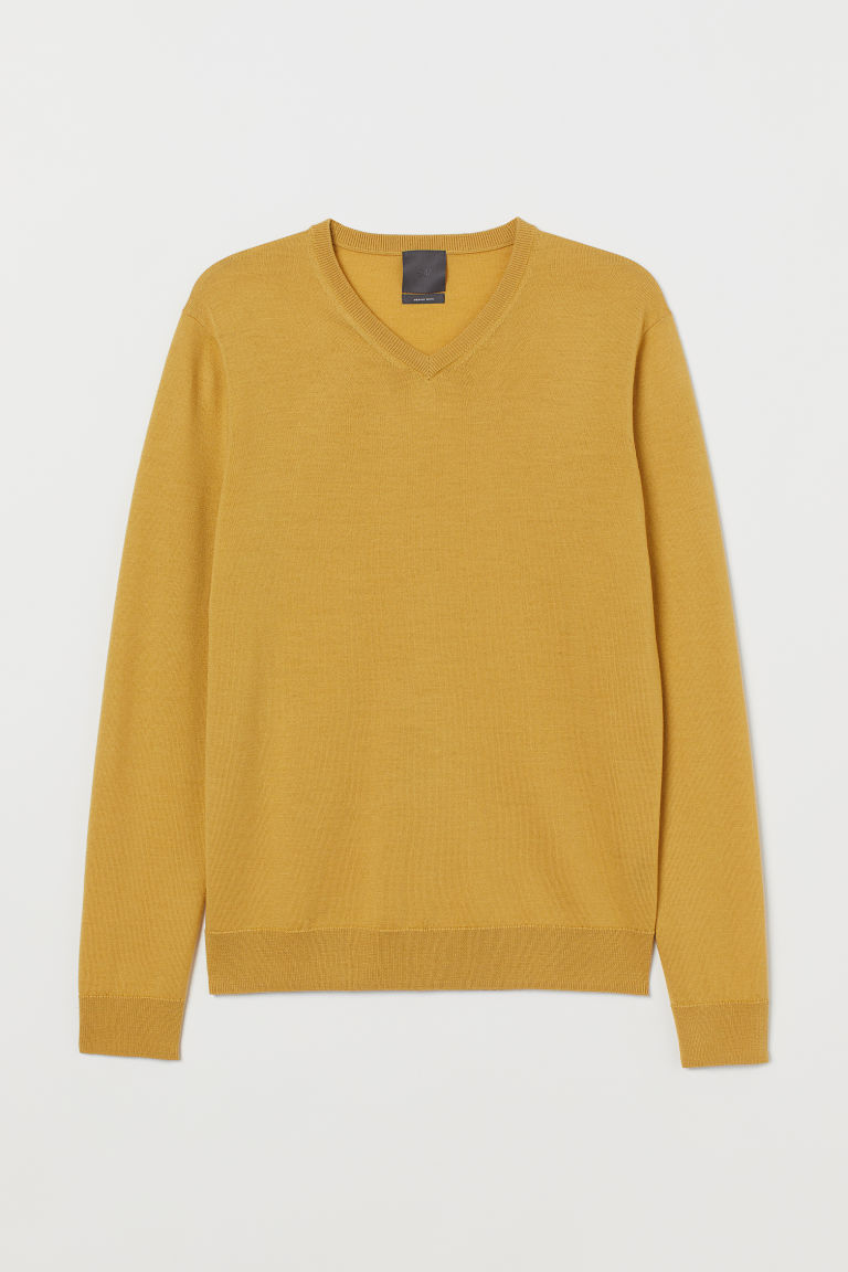 V-neck merino wool jumper - Mustard yellow - Men | H&M