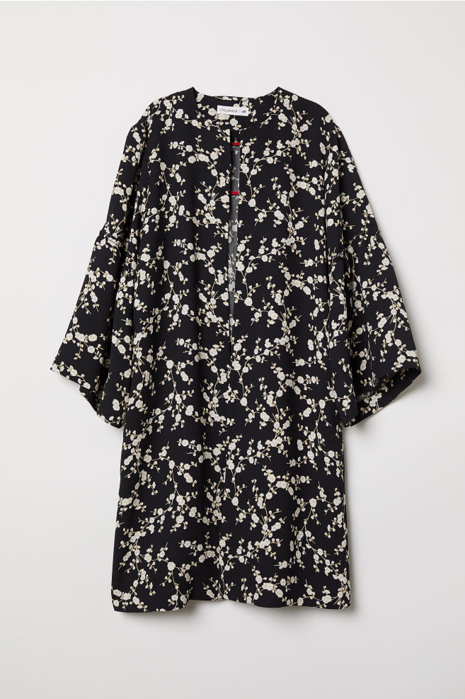 a93f8bca13eb Flounce-sleeved coat - Black Floral - Ladies