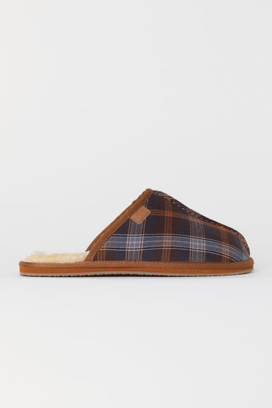 Pile-lined Slippers - Dark brown/checked - Men | H&M US