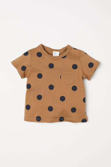 T-shirt with a chest pocket - Dark beige/Spotted - Kids | H&M