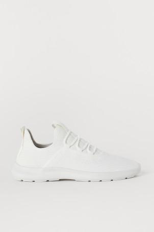 Sneakers con suola leggera b002f6e5687