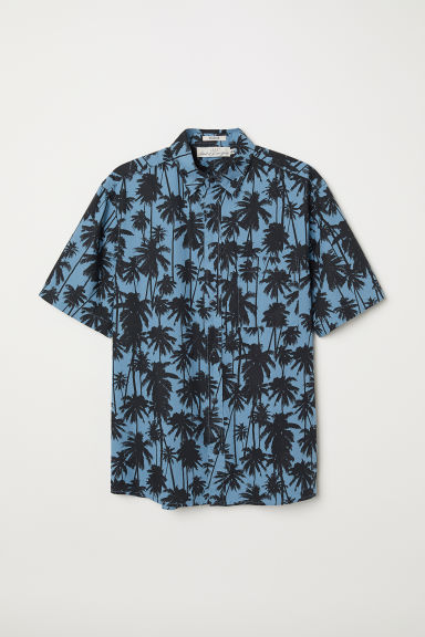 Cotton shirt Regular Fit - Blue/Palm trees - Men | H&M