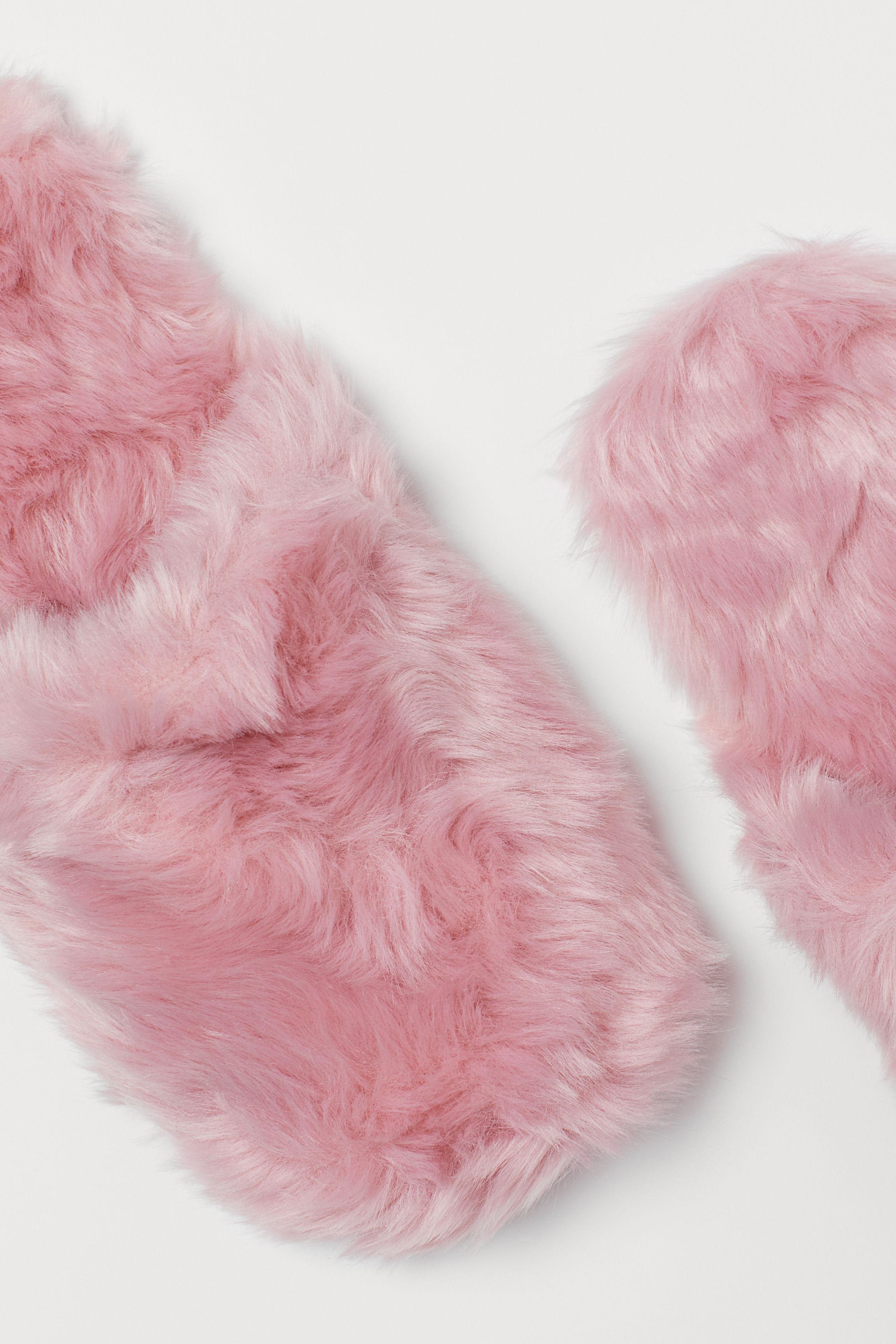 7e439cf81f62 Faux Fur Slippers - Light pink - Ladies