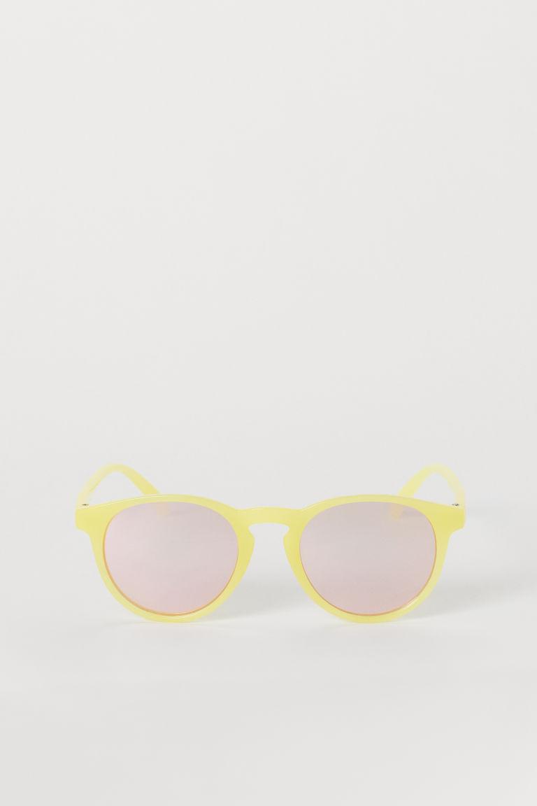 lunettes de soleil jaune rose clair enfant h m fr. Black Bedroom Furniture Sets. Home Design Ideas
