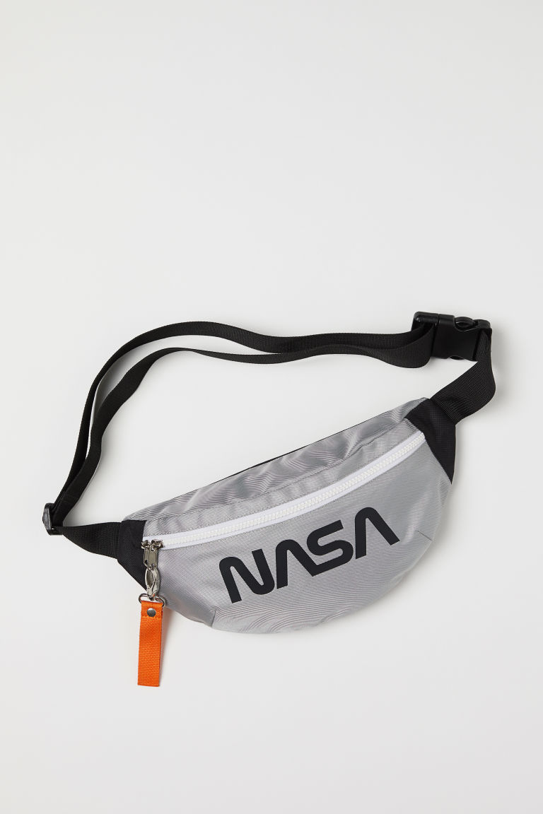 Printed Belt Bag - Silver-colored/NASA - Men | H&M CA