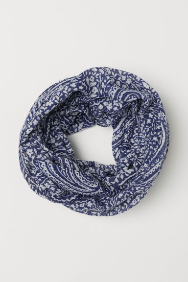 Patterned tube scarf - Dark blue/White patterned - Ladies | H&M