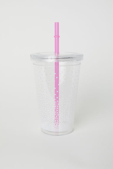 Plastic mug with a straw - White/Spotted - Home All | H&M CN