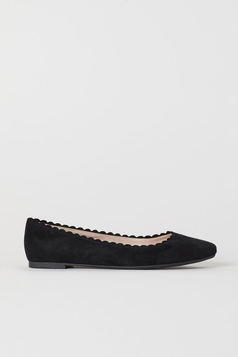 Scallop-edged ballet pumps - Black - Ladies | H&M
