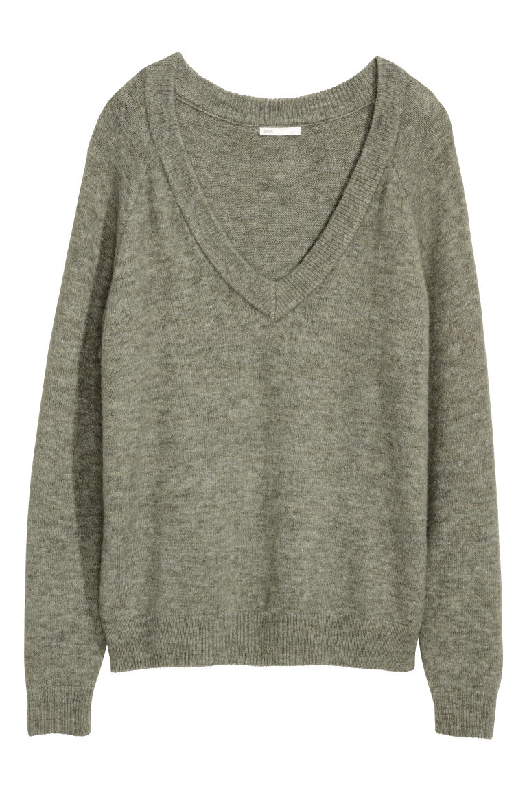 V-neck jumper - Khaki green - Ladies | H&M