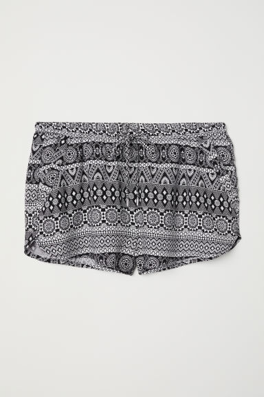 Short viscose shorts - Black/Patterned -  | H&M