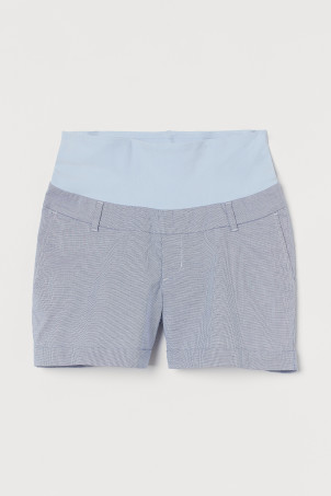 MAMA Chino ShortsModel