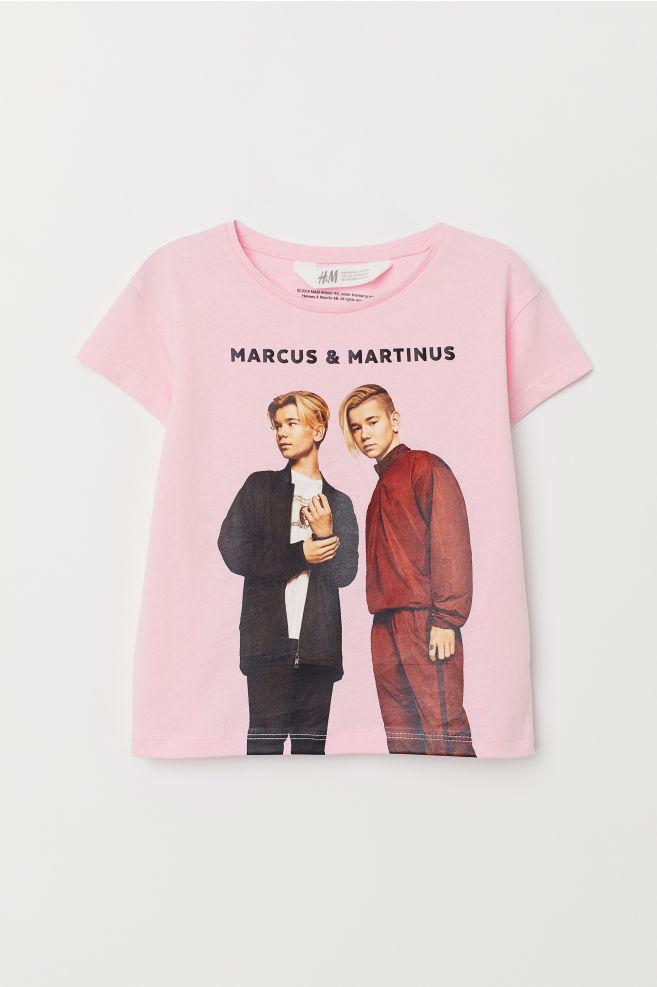 T Shirt Mit Motiv Hellrosamarcus Martinus Kids Hm De