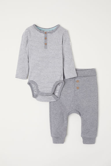 Bodysuit and trousers - Grey marl/Striped - Kids | H&M CN