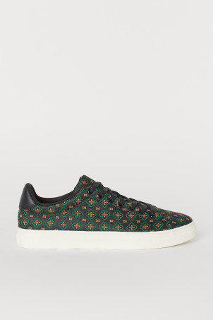 Jacquard-patterned trainers