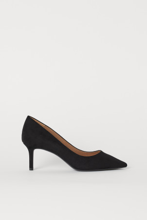 Court shoesModel