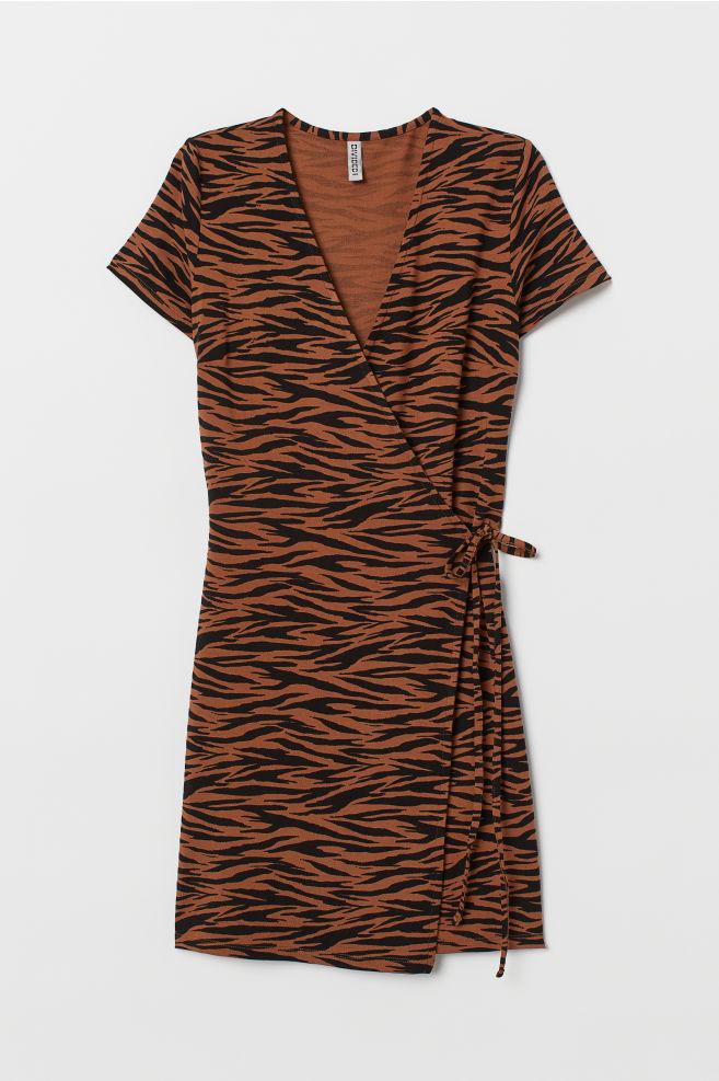 9e9daf59cf8 ... Къса рокля с прехвърляне - Кафяв/Тигрова шарка -   H&M ...