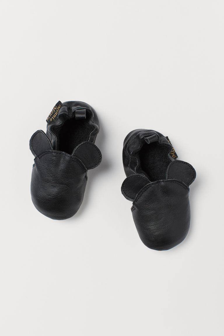 Soft slippers - Black/Mickey Mouse - Kids | H&M CN