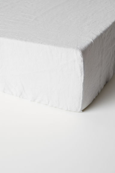 Washed linen fitted sheet - Light grey -  | H&M CN
