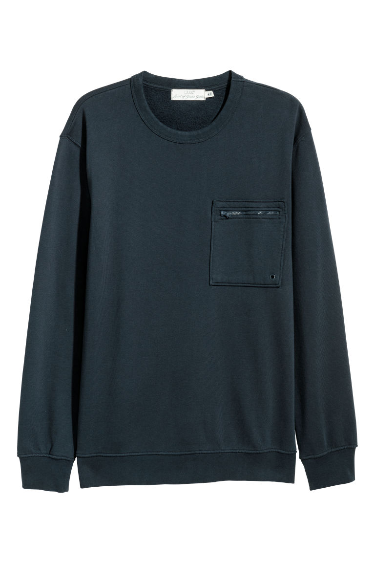 Sweatshirt with a chest pocket - Dark blue - Men | H&M