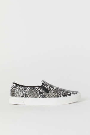 Slip-on ShoesModel