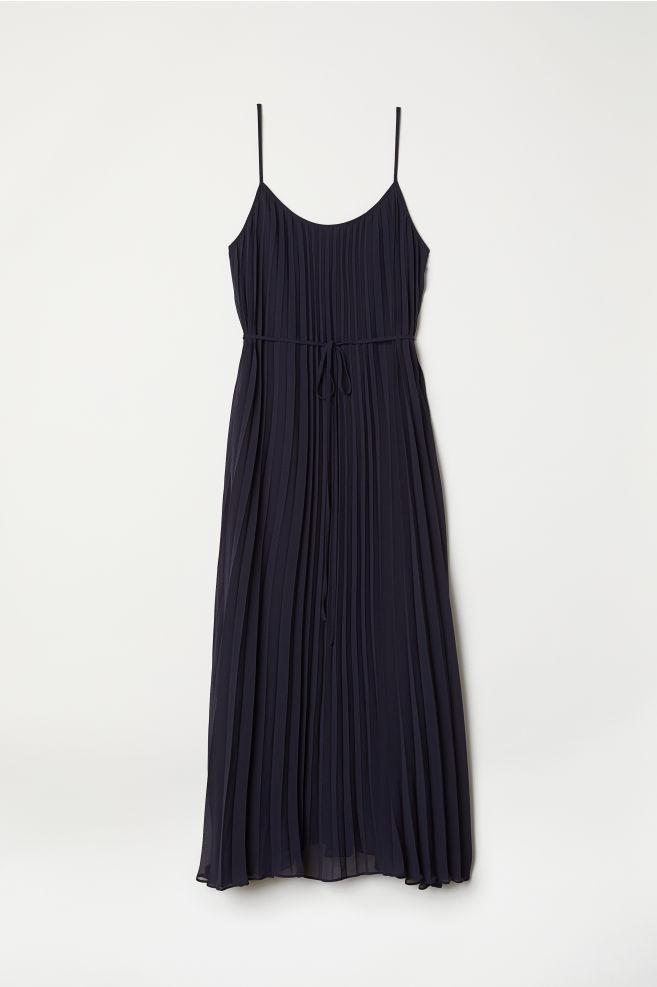 198e5c637e Pleated Dress - Dark blue - Ladies   H&M ...