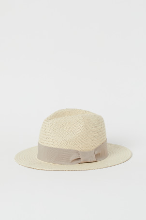 Straw hat with grosgrain bandModel