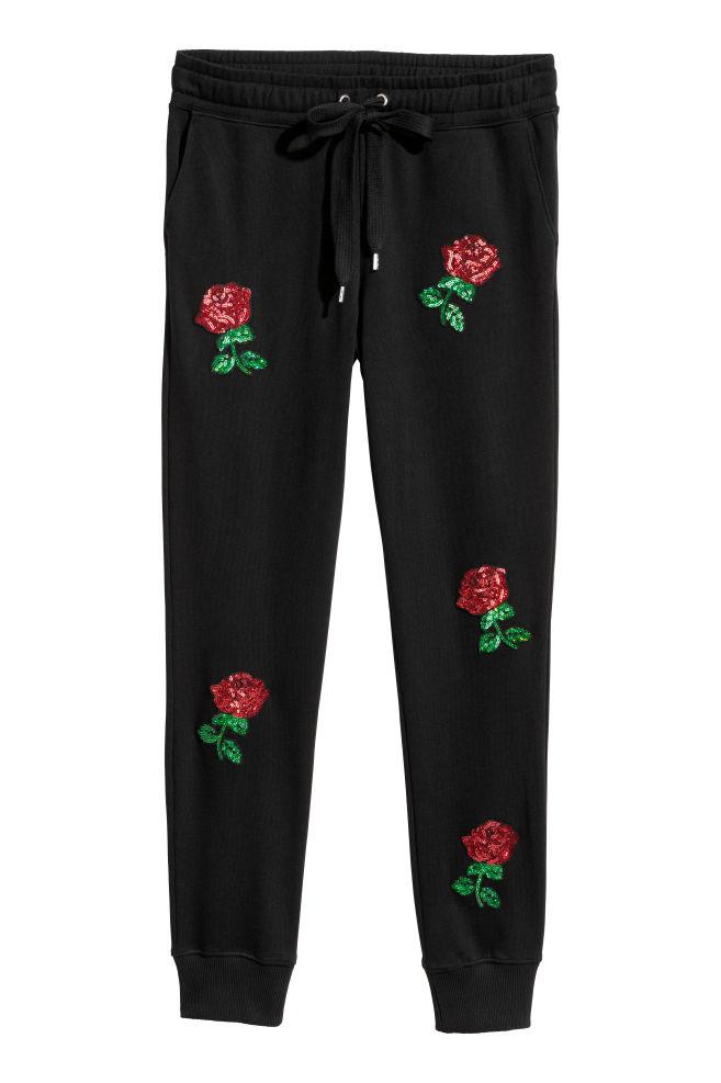 Vyšívané športové nohavice - čierna ruže - ŽENY  34da0bf55a7