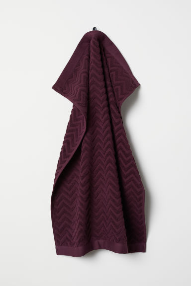 Jacquard-patterned hand towel - Burgundy - Home All | H&M CN