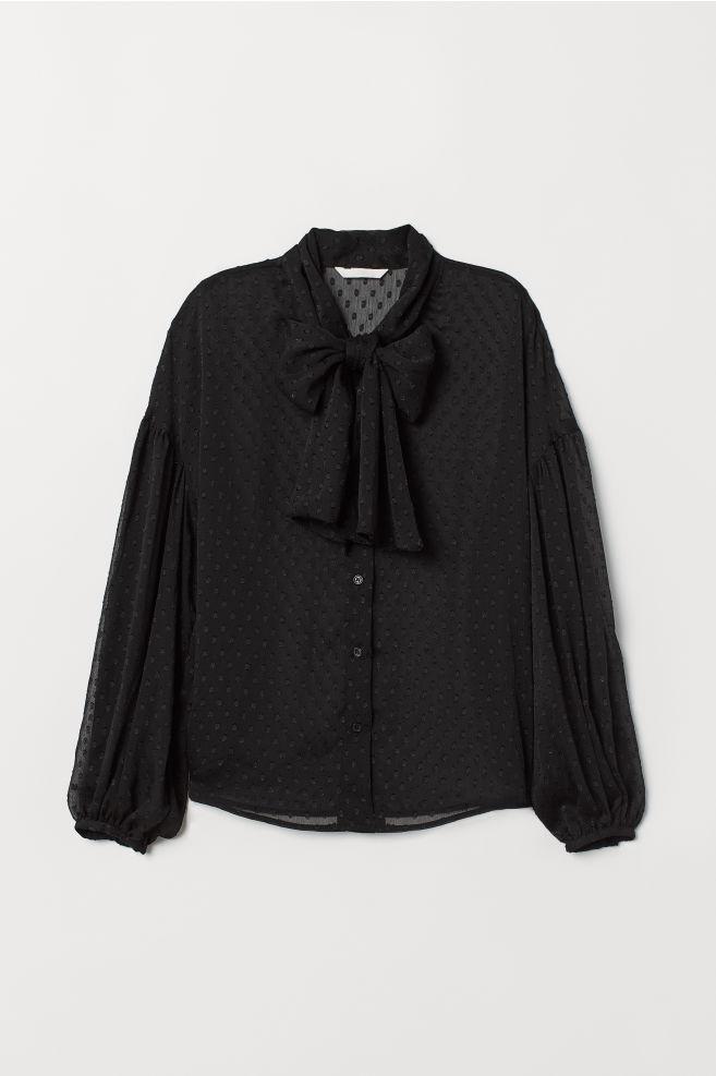 9770e5d77d8 Pussy-bow blouse - Black - Ladies   H&M ...