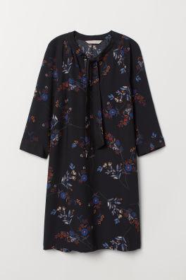 Nauhallinen mekko 7118b785b6