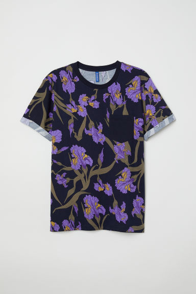T-shirt with turn-up sleeves - Dark blue/Floral - Men | H&M