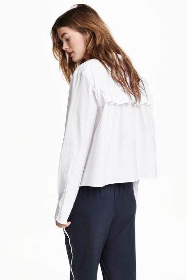 Wide blouse with a frill - White - Ladies | H&M GB